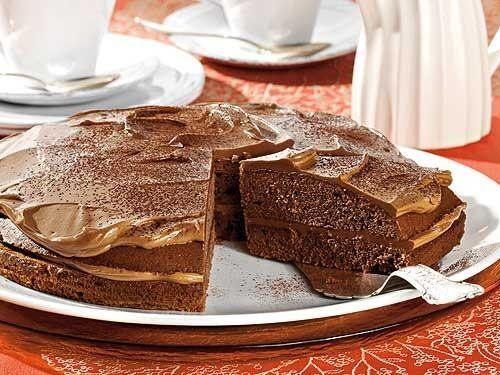 Ein echter Leckerbissen unter den Süßigkeiten: Nougat! Doch Nuss-Nougat ist nicht nur zum Naschen gut, sondern auch zum Backen. Schokoladenkuchen und Sahnetorten schmecken mit Nougat nochmal besser!