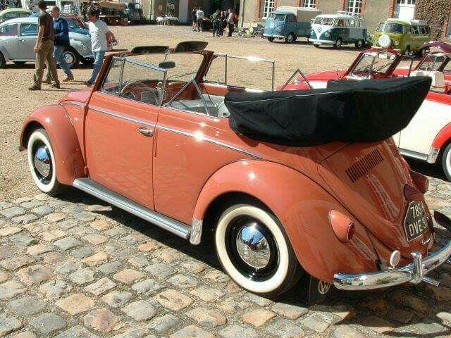 1957 VW Beetle Cabriolet http://vieuxtrucs.blogspot.ch/p/vw-cabriolet-1957.html #vw_vintage_morat Volkswagen