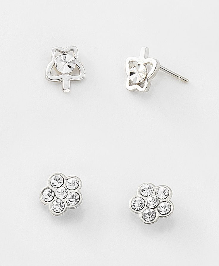 Duo de aretes para niña en rodio y piedras de cristal.