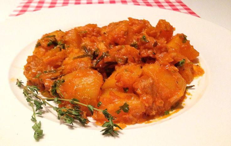 Kalfsstoofvlees met aardappelen staat in Italië bekend als Spezztino di Vitello con patate en is een traditioneel recept! Bekijk hier de originele bereiding