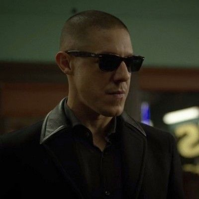 Shades at ' Pops Barber shop' to Negotiate with Luke Cage ...