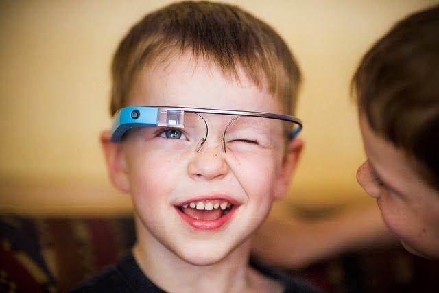 FUTURAS GENERACIONES + TECNOLOGIA