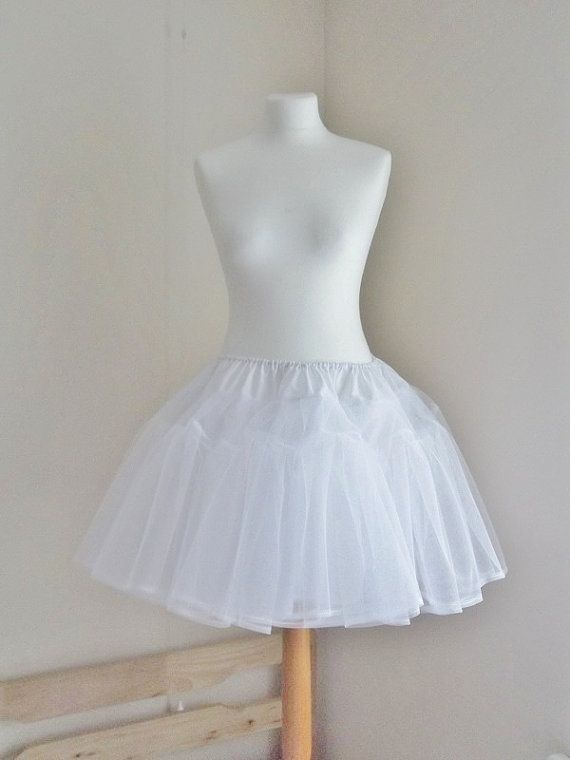 White Lolita Netting Bell Shape Petticoat Pettiskirt Underskirt Fully Lined Large Poof- i should diy this :D: