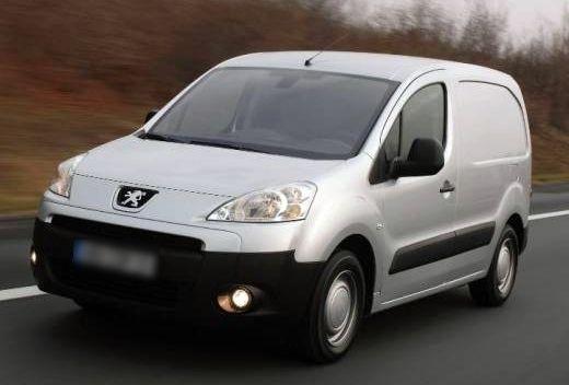 FX loue son utilitaire Peugeot Partner à Paris 18e. Location Peugeot Partner HDI  Paris 18ème (75018)