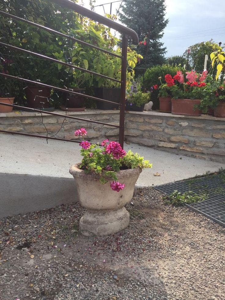 les 22 meilleures images du tableau vasques de jardin en pierre reconstitu e sur pinterest. Black Bedroom Furniture Sets. Home Design Ideas