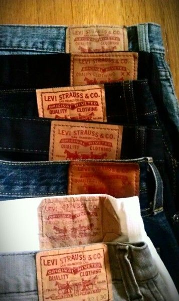 Mens Levi Jeans http://idancemythoughtsofyouaway.tumblr.com/post/10403554025
