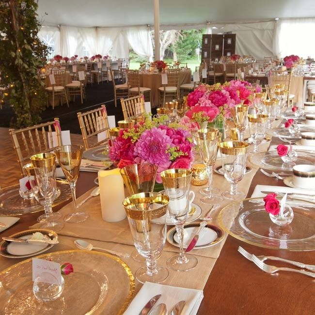 Low Arrangements Of Pink Hydrangeas Lisianthus Sweet Peas Peonies And Queen Anne S Lace Decorated The Long Reception Tables Spring Wedding Ideas