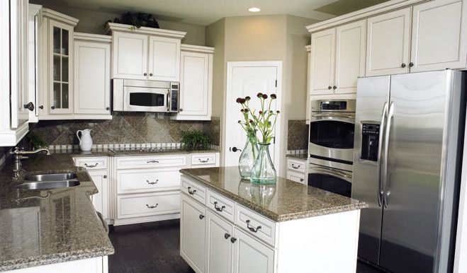 Andrew - Kitchen | Willow Woods | Richmond American Homes | Williamstown, NJ | Less than 25 miles from Philadelphia, with easy access to Routes 42 and 295 and the New Jersey Turnpike, these new homes in Williamstown feature spacious ½-acre wooded and non-wooded homesites.