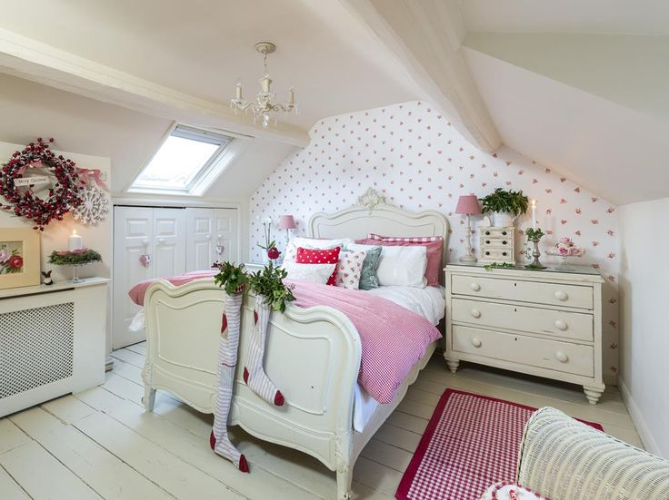 Fabulous, bright attic bedroom