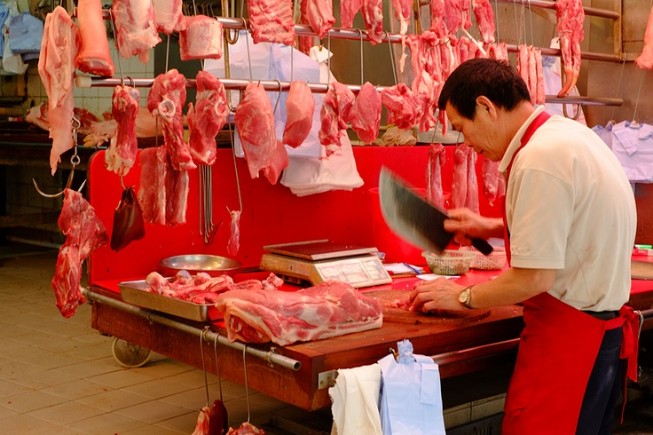 Butcher | Market Workers (Day) | Ariel Broitman Photography
