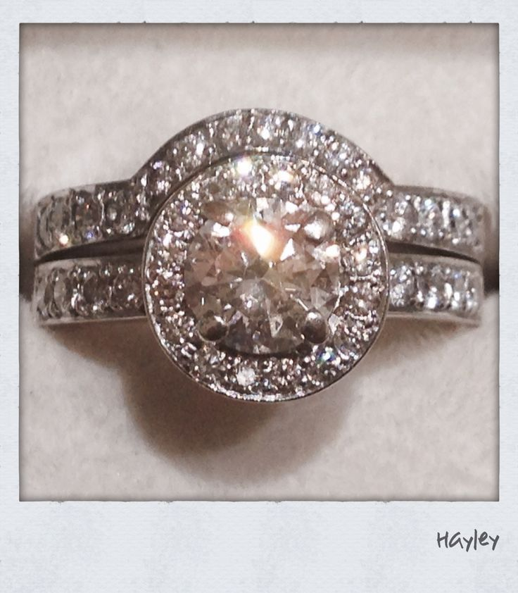 Gorgeous engagement ring and fitted eternity ring for the lovely Hayley. Xxx