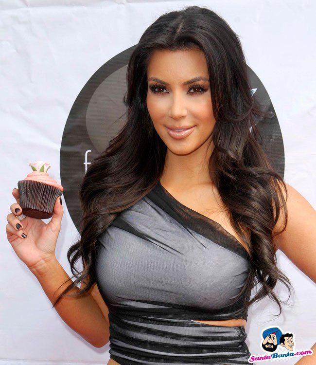 Kim Kardashian: Kardashian Sun Kissed Promo Event -06