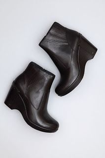 Podiatry Shoe Review. Top 25 Comfortable Women's Dress Boots for 2014 - Podiatrist Recommended. Podiatrist Recommended Top 25 Comfortable Women's Boots 2014 | January 1, 2014 | http://podiatryshoereview.blogspot.com/2014/01/podiatrist-recommended-top-25.html | Dansko Faith