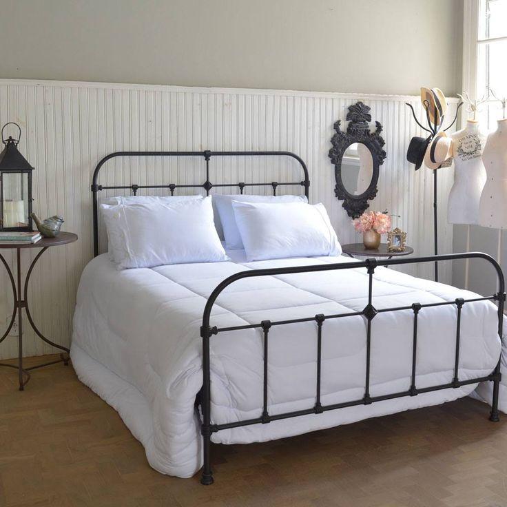 Cama de Ferro Padrão, modelo Haras. Ideal para quem curte uma cama clássica, elegante sem muitos rococós. Altíssima qualidade e durabilidade.