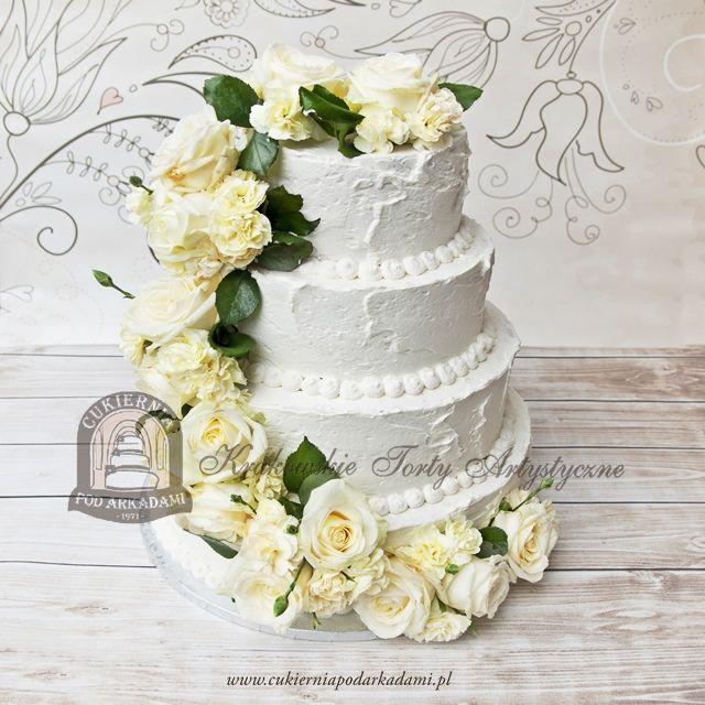 27bw Tort Weselny Pietrowy Szpachlowany Masa Smietanowa Dekorowany Zywymi Kwiatami Whipped Cream Wedding Cake Decorated With Flow Wedding Cakes Cake Blog Cake