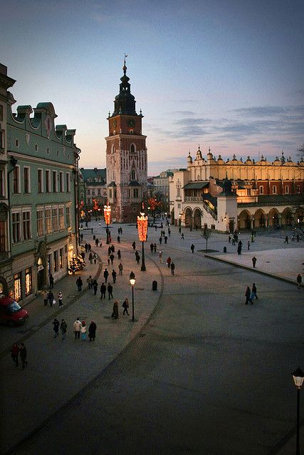 Krakow Poland: Market Square (photo by 'smif')... One of my fave places in Europe! Wish I spent more than two nights here!