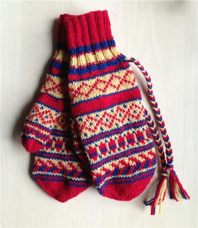 Sami pattern on homemade mittens