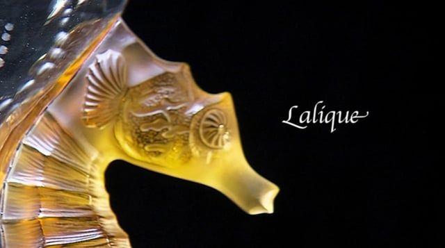 """Montage vidéo du documentaire """"Lalique, Sculpteur de cristal"""" de Camille…"""