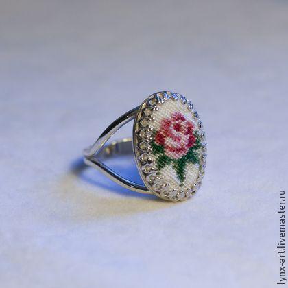 Серебрянное кольцо с розой - вышивка,украшения с вышивкой,украшения ручной работы