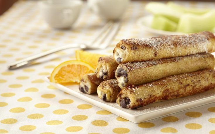 A recipe for cannoli French toast rolls