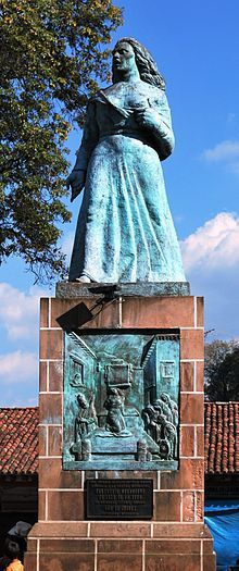 Gertrudis Bocanegra - WikipediaMaría Gertrudis Teodora Bocanegra Mendoza[1] (11 April 1765 – 11 October 1817) was a woman who fought in the Mexican War of Independence. She was arrested, tortured and executed in 1817