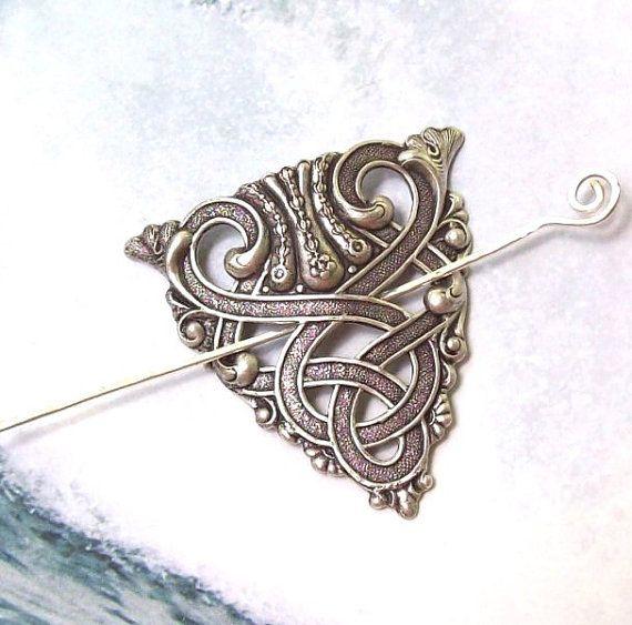 Eine schöne und vielseitige keltische Scroll-Pin-Zubehör!  Schal, Pin, Pin Schal, Pullover-polig, Haarspange, es kann alles tun. Es wäre auch