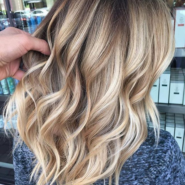 A little beige, a little gold. Color by @antestradahair