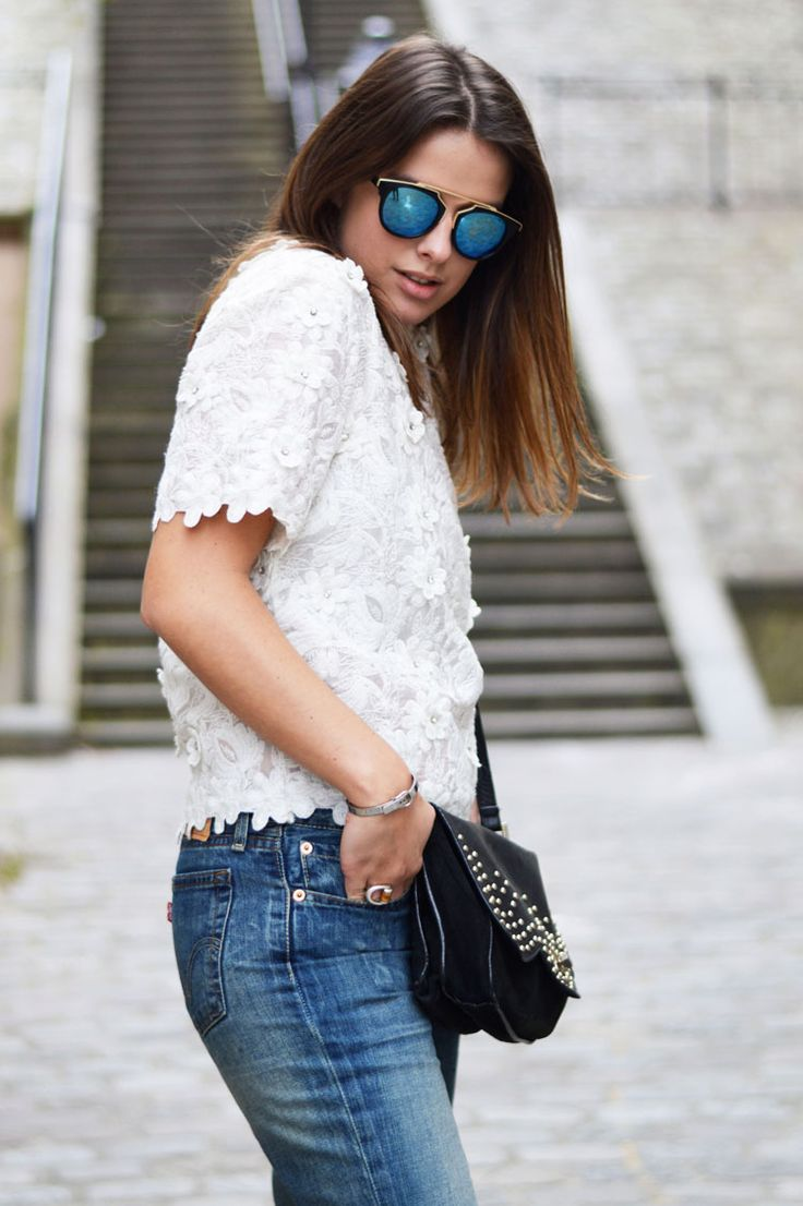 Romantic walk in Montmartre with our Betty x Lancaster bag, Lancaster Paris. (Pic from Carole's Diary) #romantic #montmartre #Paris #lace #white #jeans #sunglasses #summer #bettyxlancaster #lancasterparis #lancaster