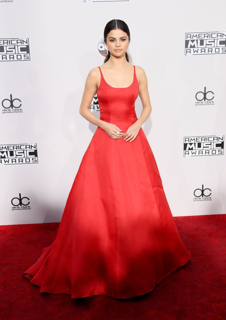 The 10 Best Looks From the 2016 American Music Awards Photos; Selena Gomez | wmag.com