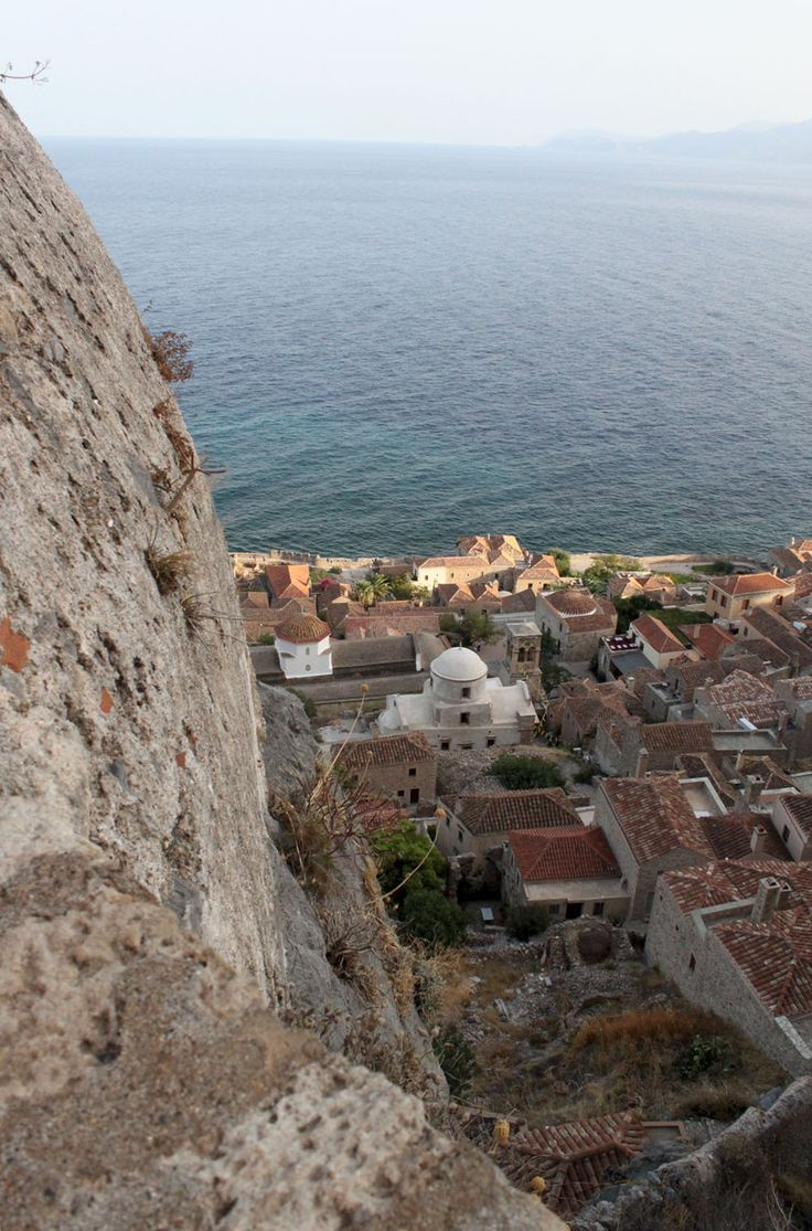 The Castle of Monemvasia www.mediteranique.com/hotels-greece/monemvasia/