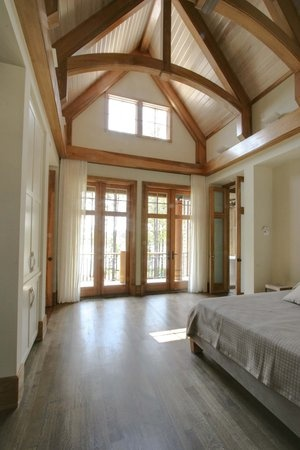 Vaulted ceiling bedroom. I sure hope this can be a reality sooner rather than later