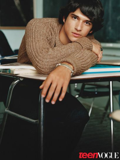 Tyler Posey is sooo cute.<3