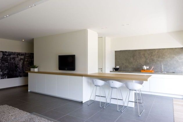 Een open keuken met werkruimte kun je als tafel gebruiken in het woongedeelte op deze manier - Open keuken op verblijf ...
