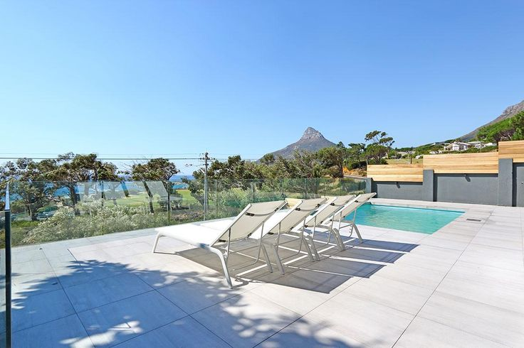 Thank you for considering Villa Valtameri for your stay in Cape Town. Contact Us for the lowest rates available online, guaranteed!