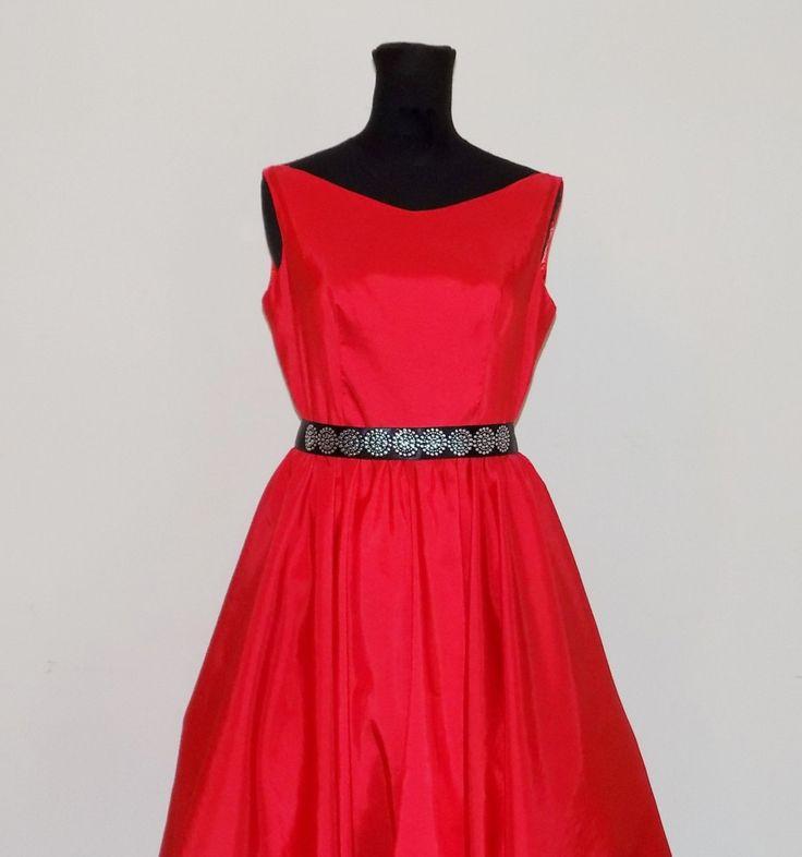 Abito rosso in taffetà  , abito rosso capodanno , vestito da sera cocktail , wedding dress, damigella d'onore , SPEDIZIONE GRATUITA ITALIA, di MAQUELLA su Etsy
