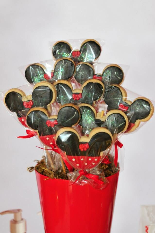 Pirulitos de biscoito da Minnie!