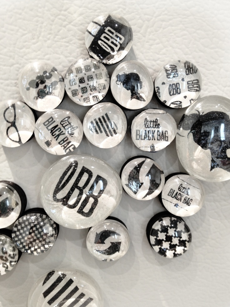 Made some glass dome Magnets for Little Black Bag—glass bead glue, 1 inch heavy duty magnets, Mod Podge, printouts from a black and white inkjet, glass aquarium flat marbles. Fast and easy and surprisingly cheap— about .25c per magnet... Go make em!: Bags Glasses Beads, Beads Glue, Black Bags Glasses, Aquarium Flats, Charts Magnets, Glasses Aquarium, Fun Glasses, Beads Magnets, Glasses Magnets