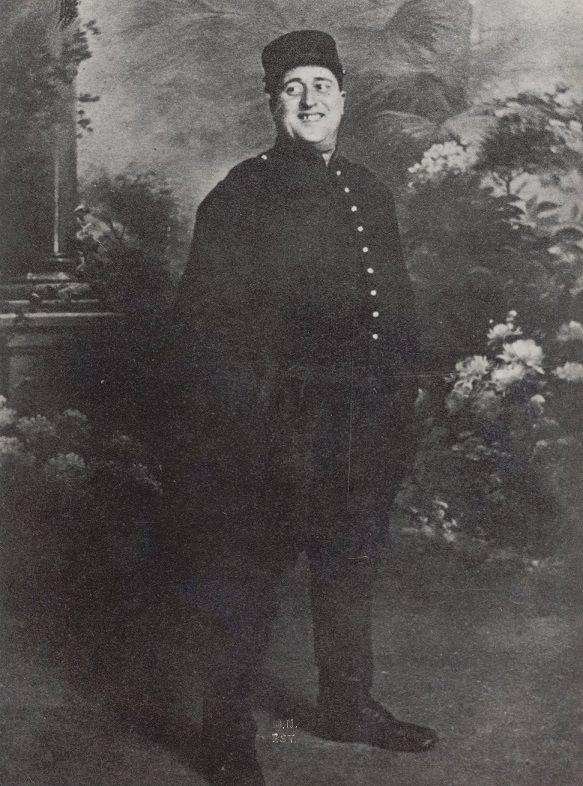 Le célèbre écrivain mourut de la grippe espagnole deux jours avant la signature de l'Armistice.