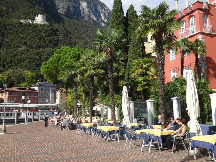 Riva belvárosa - háttérben a Bastione