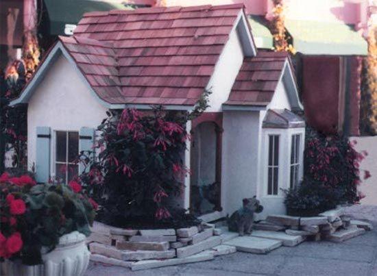 English cottage doghouse