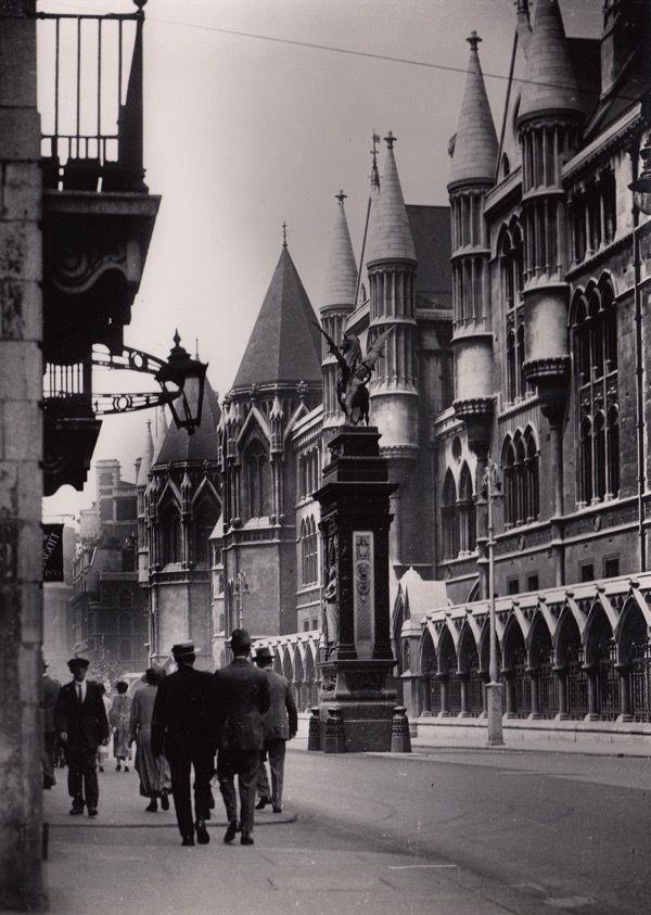 Royal Courts of Justice, Fleet Street