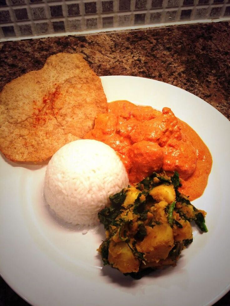 All home made for less than £5. Chicken Tikka Masala, Sag Aloo, Rice and Poppadoms #fakeaway
