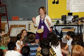 Good music classroom management tips that can be applied to any discipline. (From NAfME)