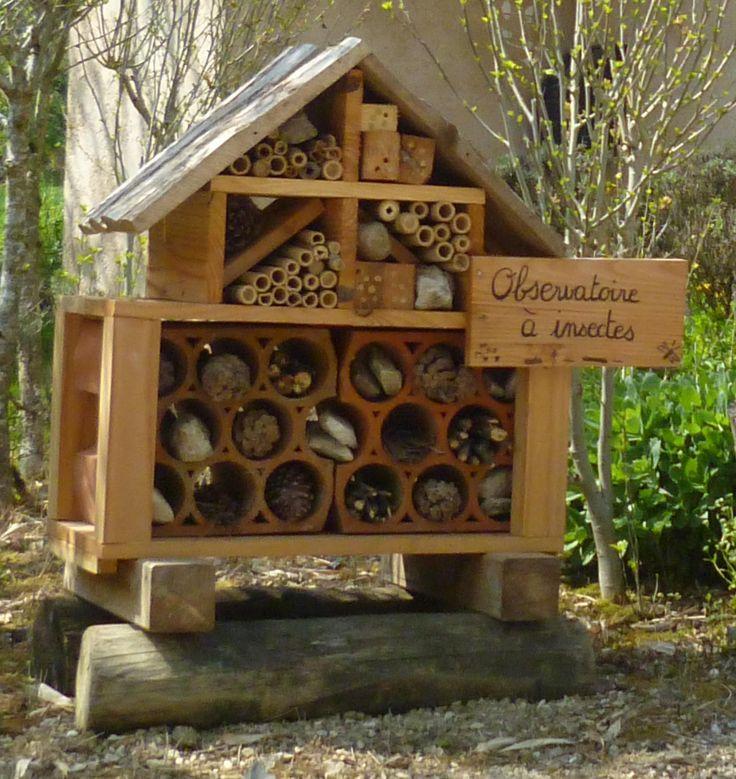 593 best bug hotels mason bees images on pinterest bug hotel bees and birdhouses. Black Bedroom Furniture Sets. Home Design Ideas