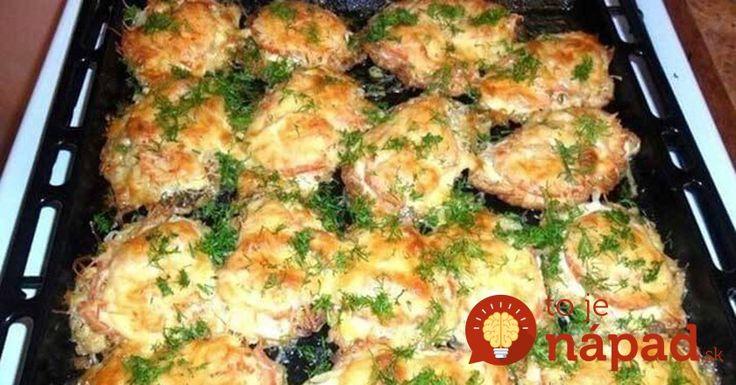 Príloha, aj hlavný chod z jedného plechu. Vyskúšajte šťavnaté mäsko zapečené so zemiakmi, cibuľkou a syrom. Jednoducho vynikajúca večera, ktorú viete pripraviť skutočne rýchlo a jednoducho.