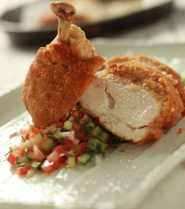 Κοτόπουλο με κρούστα από μαγιονέζα και παρμεζάνα | Γιάννης Λουκάκος