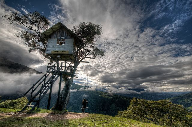 Treehouse in the sky @ Banos, Ecuador. I'm visiting in  2weeks!!