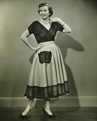 Ready for Canasta: 1950S Mom, Usa 1950S