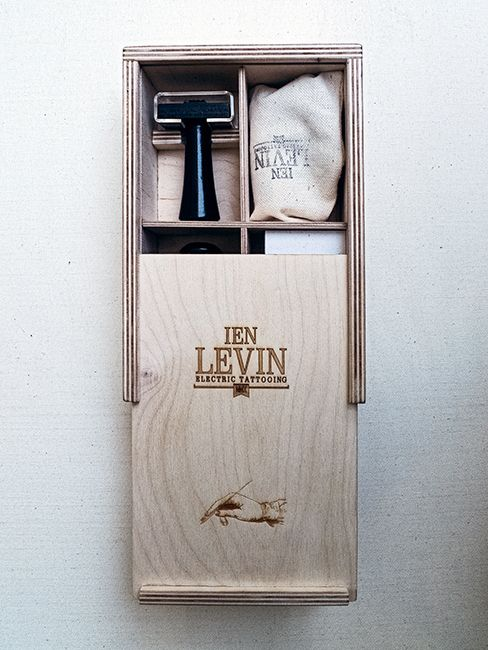 Packaging of the World: Creative Package Design Archive and Gallery: Ien Levin Business Cards Box