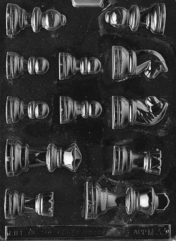 FlavorTools M033 Chess Pieces Chocolate Candy Mold di FlavorTools, $1,95